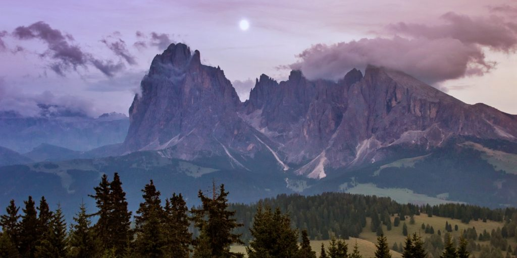 Myths and legends from the Dolomites (Mythes en Legendes uit de Dolomieten)