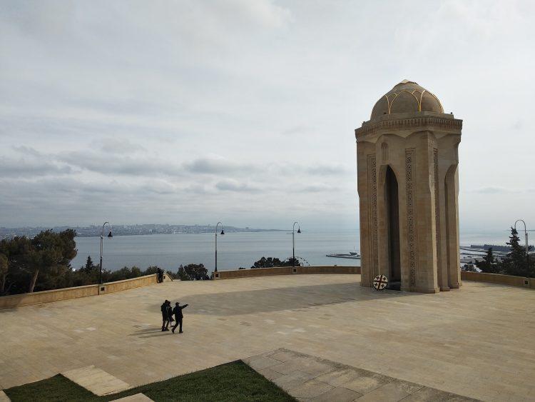 Shahidlar Monument, Baku