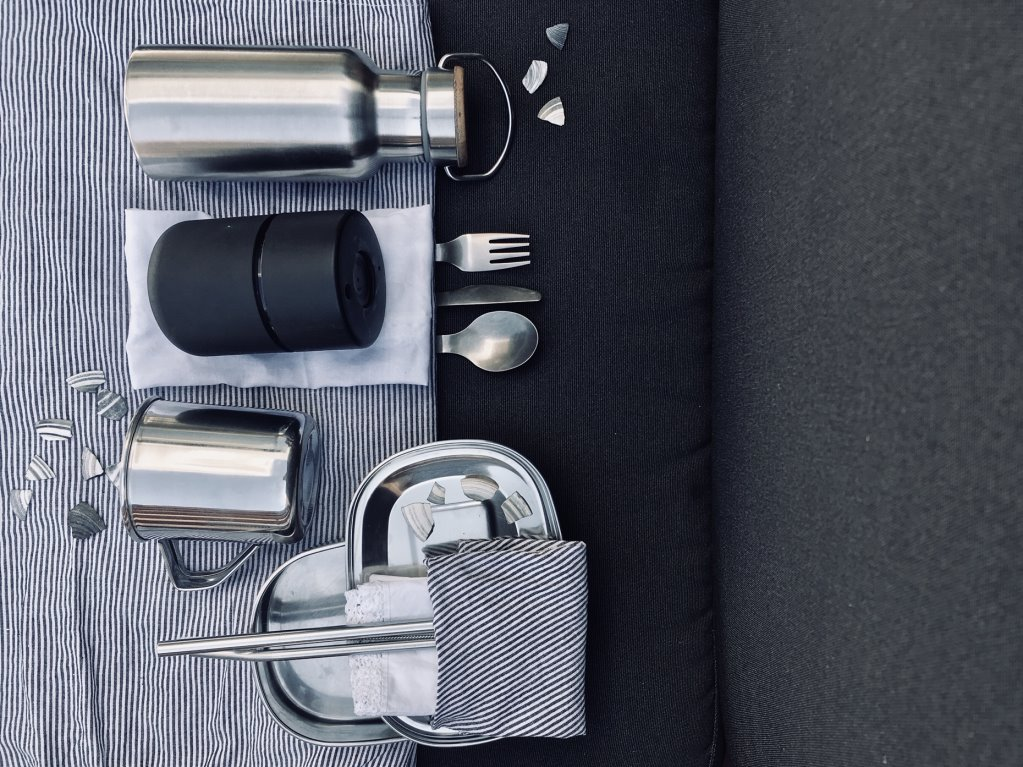 Reusable cutlery and other tools to live a month without plastic