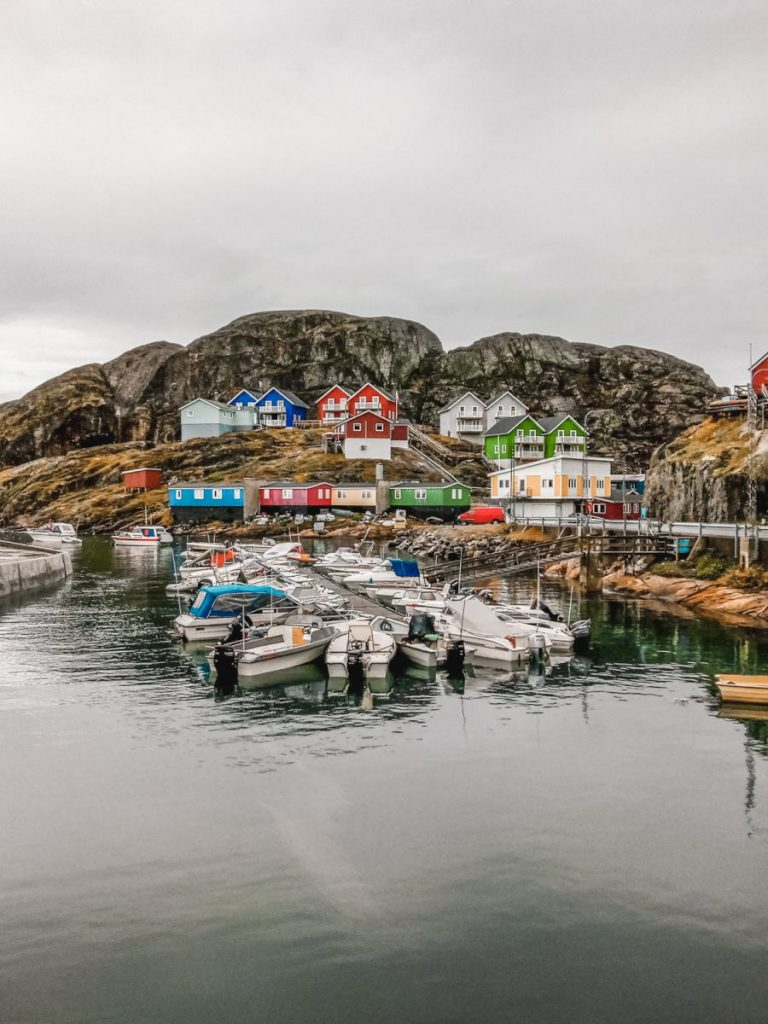 Maniitsoq in summer: colourful houses on the rocky coast.
